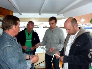 Bootsfahrschule-Likedeeler-Stralsund-Sportbootfuehrerschein-Ausbildung-Praxis-Knoten