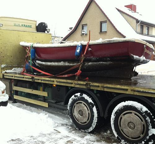 Fahrschulboot Pitti fährt in den Winterschlaf