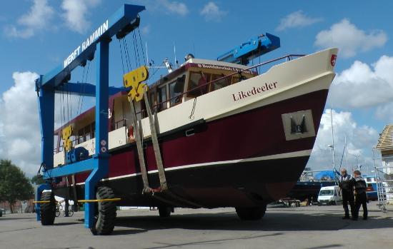 Bootsfahrschule-Motoryacht-Likedeeler-Stralsund